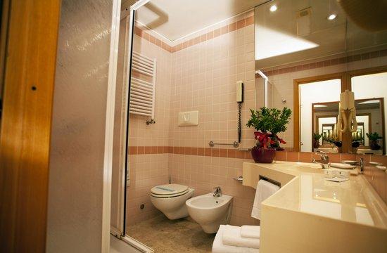 Augustus Hotel: VISTA DEL BAGNO