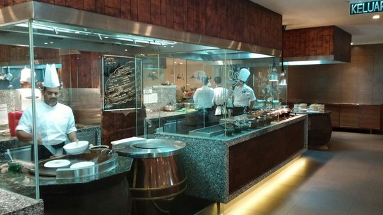 Renaissance Johor Bahru Hotel: Breakfast is ready