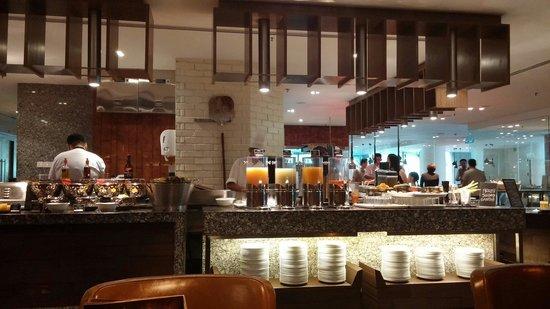Renaissance Johor Bahru Hotel: They have fruit juices too.