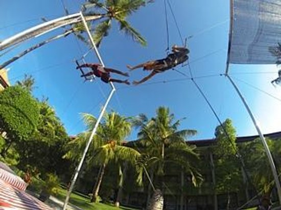 High Flyers Bali Trapeze School : High Flyers at Bali Dynasty Resort