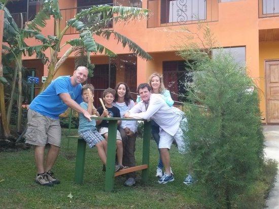 Hotel Cipreses Monteverde Costa Rica: Desde los Jardines del Hotel