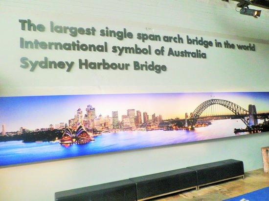 BridgeClimb: Inspirational sign at Centre