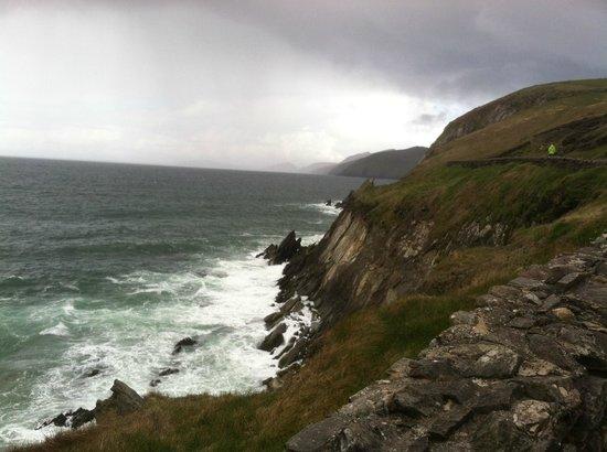 The Dingle Peninsula: Dingle Peninsula coastline
