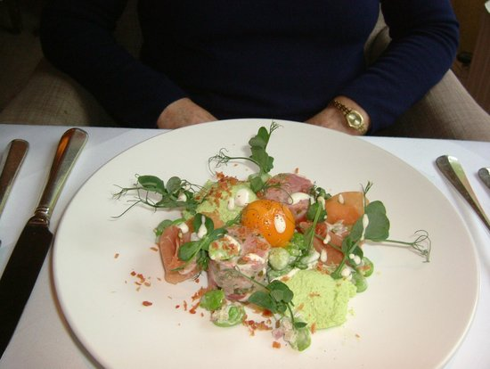 Linthwaite House : Ham Hock & Pea mousse starter