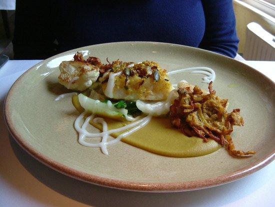 Linthwaite House : Curried Cod Main with Cauliflower & Onion Bhaji