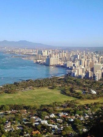 Outrigger Waikiki Beach Resort: Looking back at hotels from diamondhead
