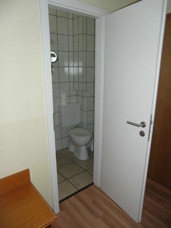 Hotel am Kuhbogen: Eingang zum Bad