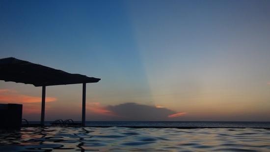 Lands End Roatan (salt water pool)