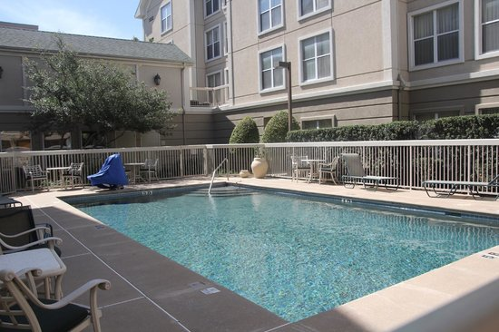 Homewood Suites by Hilton Austin-Arboretum / NW: A nice place to sit beside pool
