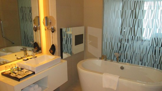 Best Western Plus Lex Cebu : Superb bathroom