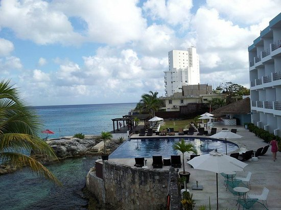 Hotel B Cozumel: View from terrace