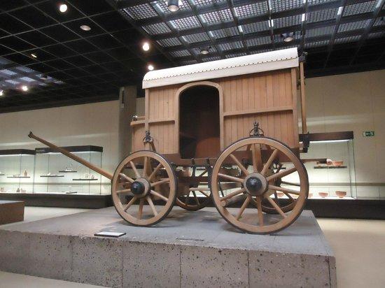 Römisch-Germanisches Museum: Cologne : Romisch-Germanisches Museum