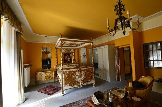 Antik Hotel Bristol: The Wedding Suite (room 26)