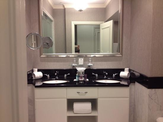 The Ritz-Carlton, South Beach : Bathroom