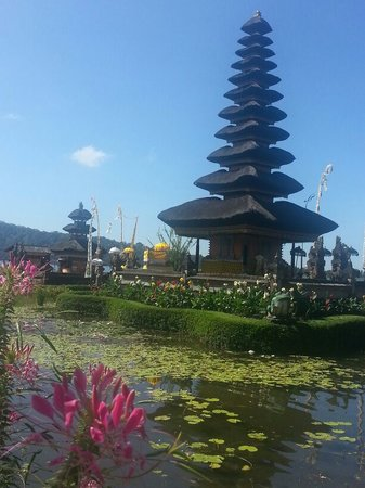 Bali Vacation Driver - Day Tours: ulundanu beratan temple
