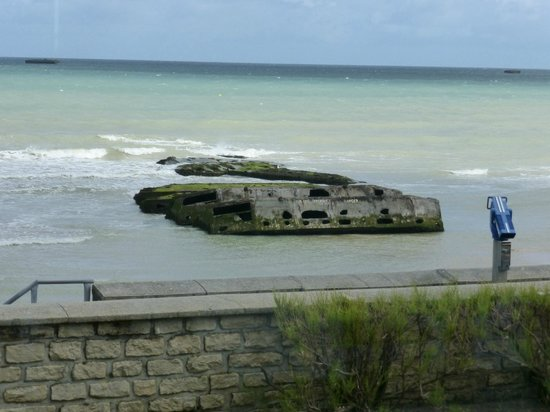 Musee du debarquement : Remains of Temporary Harbor