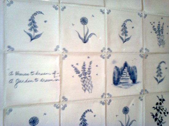 Tiling - cafeteria - Packwood House
