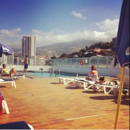 Hotel Trianflor: roof top pool with a stunning view