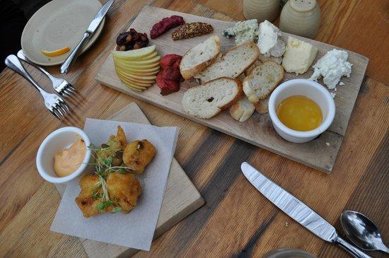 Terrain Garden Cafe : Their Artisanal Cheese Board and the cauliflower fritters