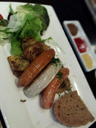 Brotzeit: Sausage sampler