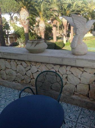 Hotel Caiammari: grotty balcony