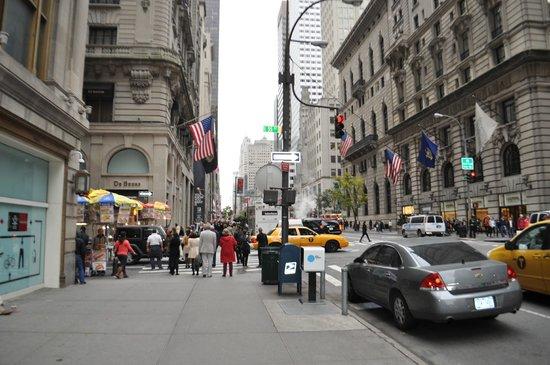 Langham Place, New York, Fifth Avenue: voorzijde hotel