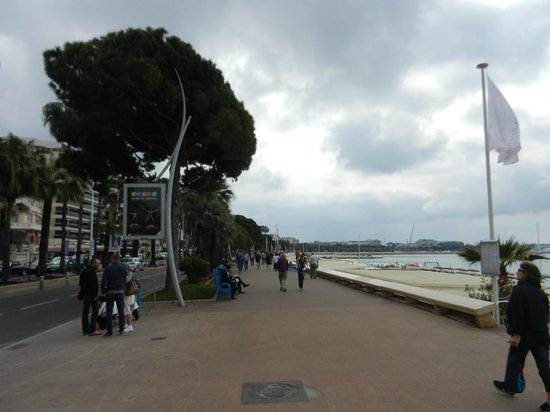 La Croisette: walk the walk