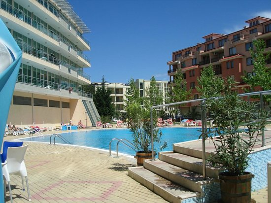 Ivana Palace Hotel: View of the pool.