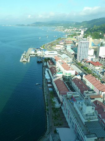 Four Points by Sheraton Sandakan : View of Sandakan.