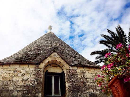 Hotel Tenuta Monacelle: One of the trulli in the trulli village that you can sleep in! Nuns used to sleep in these when