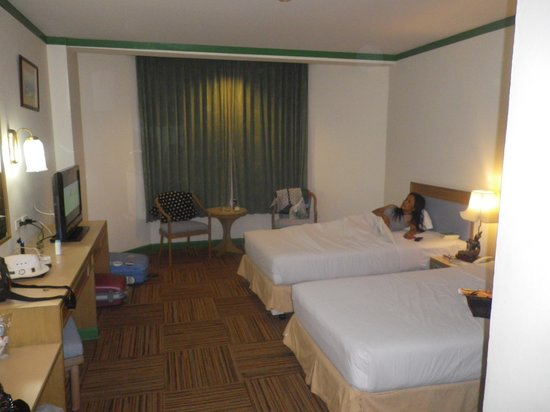 Star Convention Hotel : Our room.