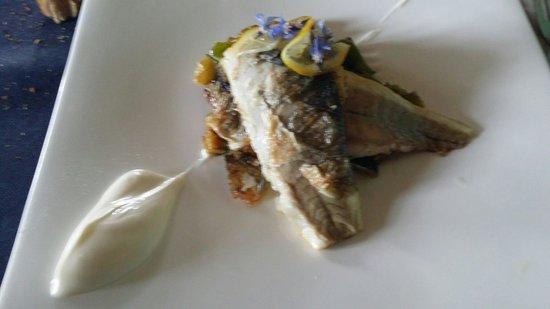 Restaurant Bodegas de Arnes: Lubina con verduritas.  Maravilla.