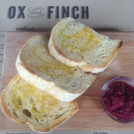 Toast with beetroot and cumin pesto