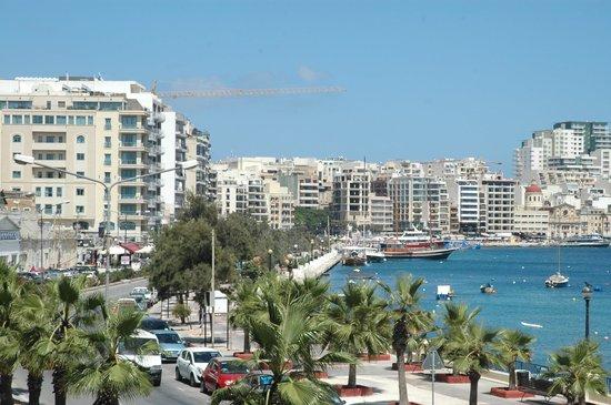 115 The Strand Hotel and Suites : vista dalla terrazza