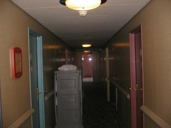 Disney's Hotel Santa Fe: коридор