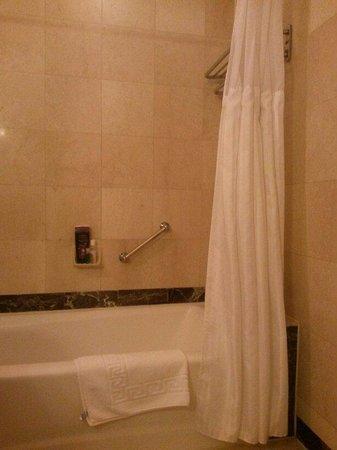 Avalon Hotel: Vasca da bagno