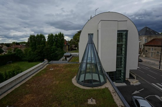 Ibis Styles Beaune Centre : View from Family Room