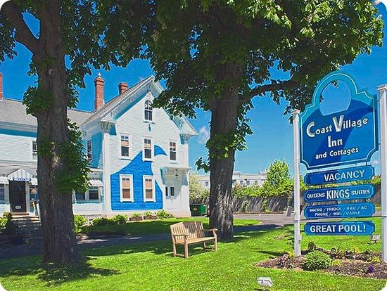 The Coast Village Inn & Cottages: Sign