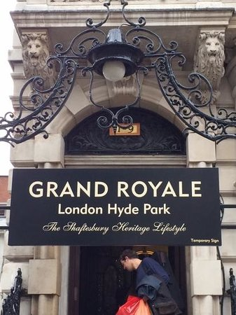 Grand Royale London Hyde Park: Главный вход