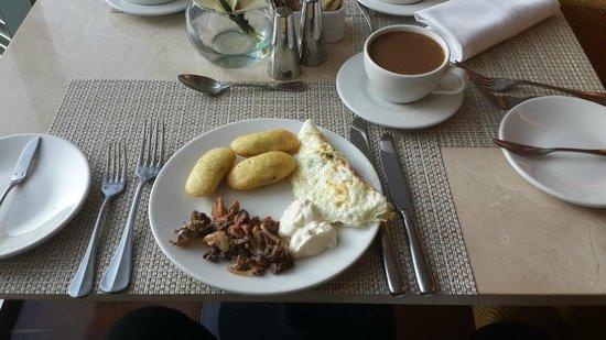 Bogota Marriott Hotel: DESAYUNO CRIOLLO (BUFFET LOUNGE)