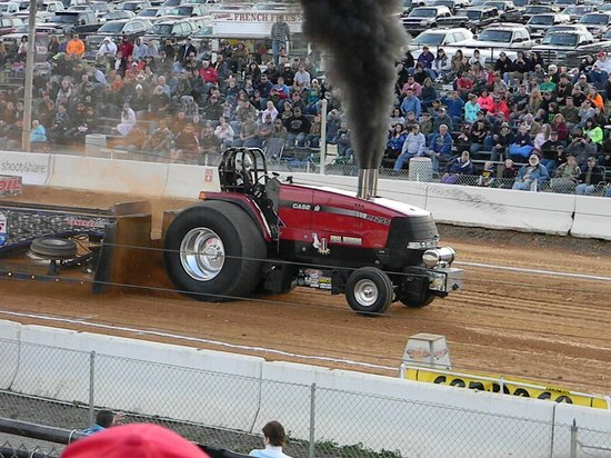 TRACTOR PULLING - Picture of Buck Motorsports Park