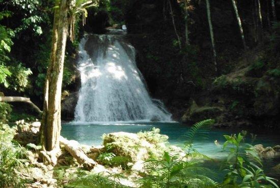 Blue Hole - secret falls