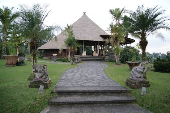 Bagus Jati Health & Wellbeing Retreat: ホテルエントランス