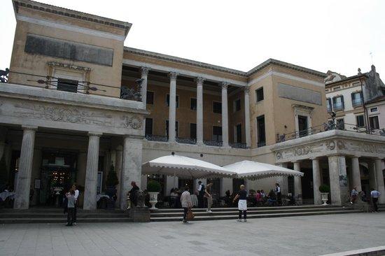 Caffe Pedrocchi: facciata principale