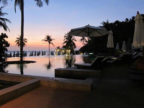 Rawi Warin Resort & Spa: Härliga solnedgångar