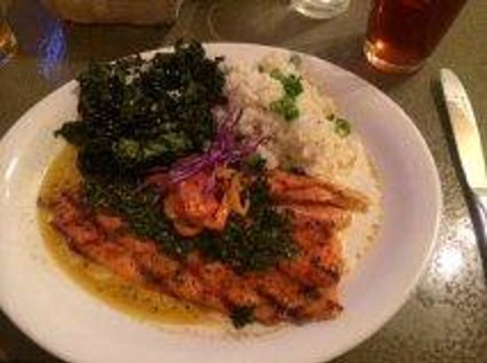 Buck's Grill House: Trout
