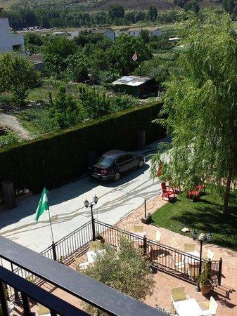 Calderon: 12€ de garaje por dejar el coche donde lo veis ¡ en la terraza del bar ! !