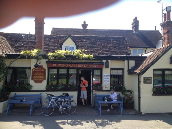 The Running Mare: Front of pub