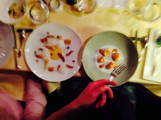 Le Moissonnier: Coquilles st Jacques with apple foam