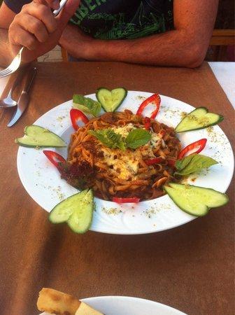 Medusa Restaurant : Meat noodle with cucember heart